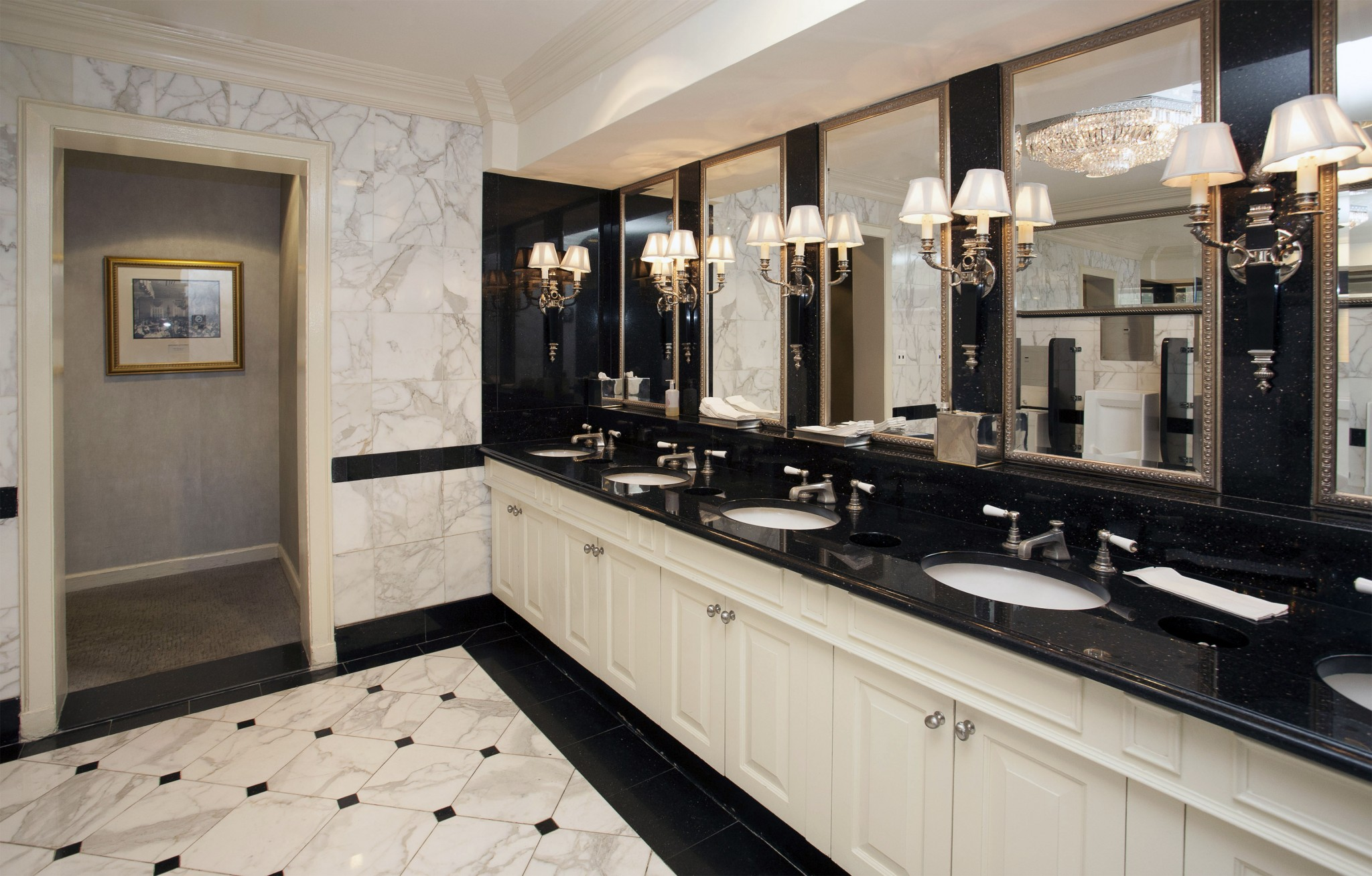 Check Out America 39 S Best Restrooms And Vote For Your